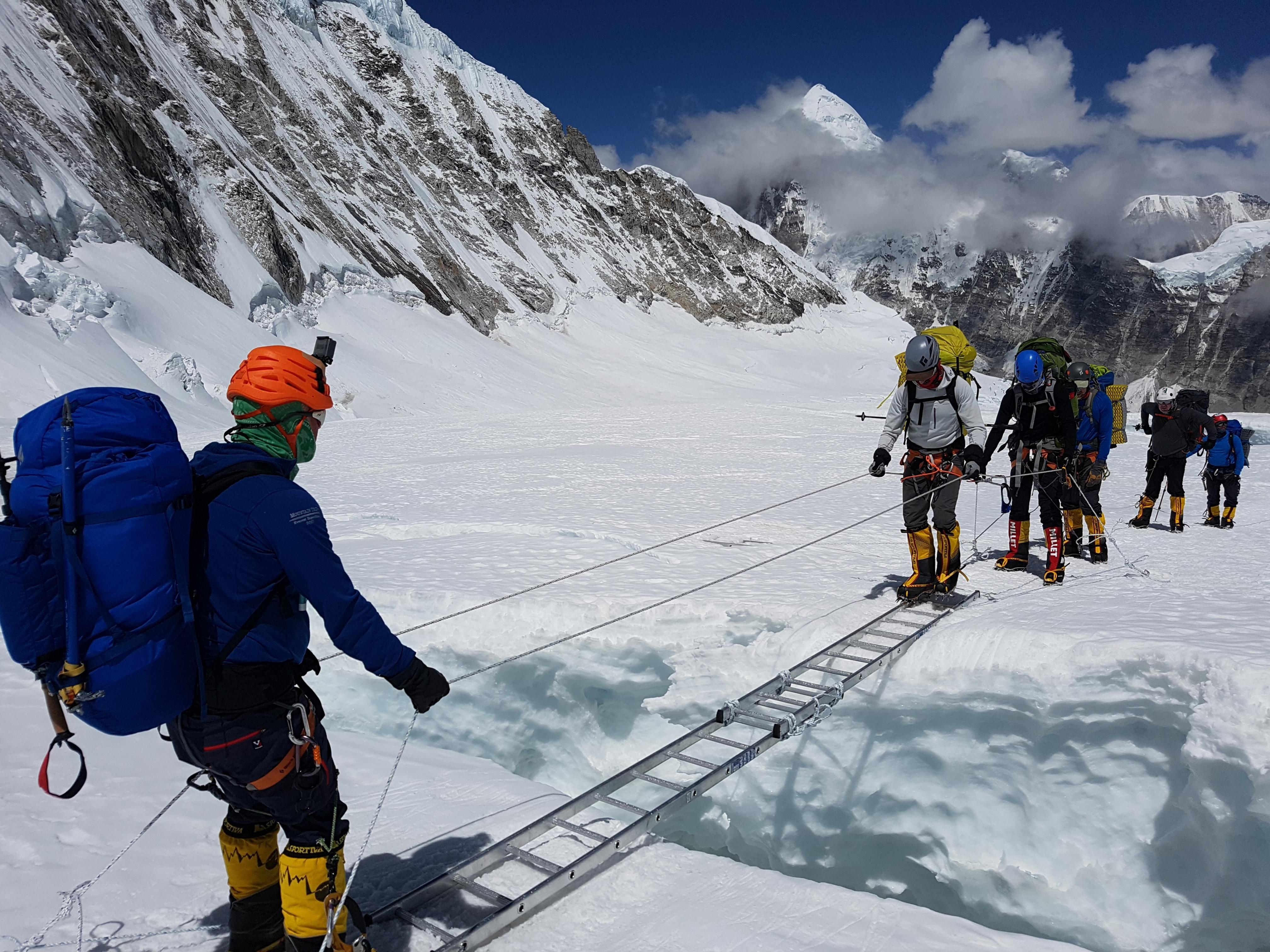 Khumbu Icefall | Mountain Madness